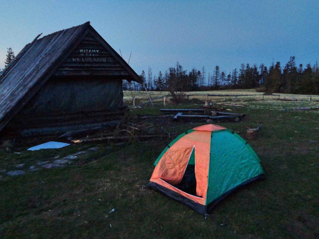 Lubań - noc w namiocie