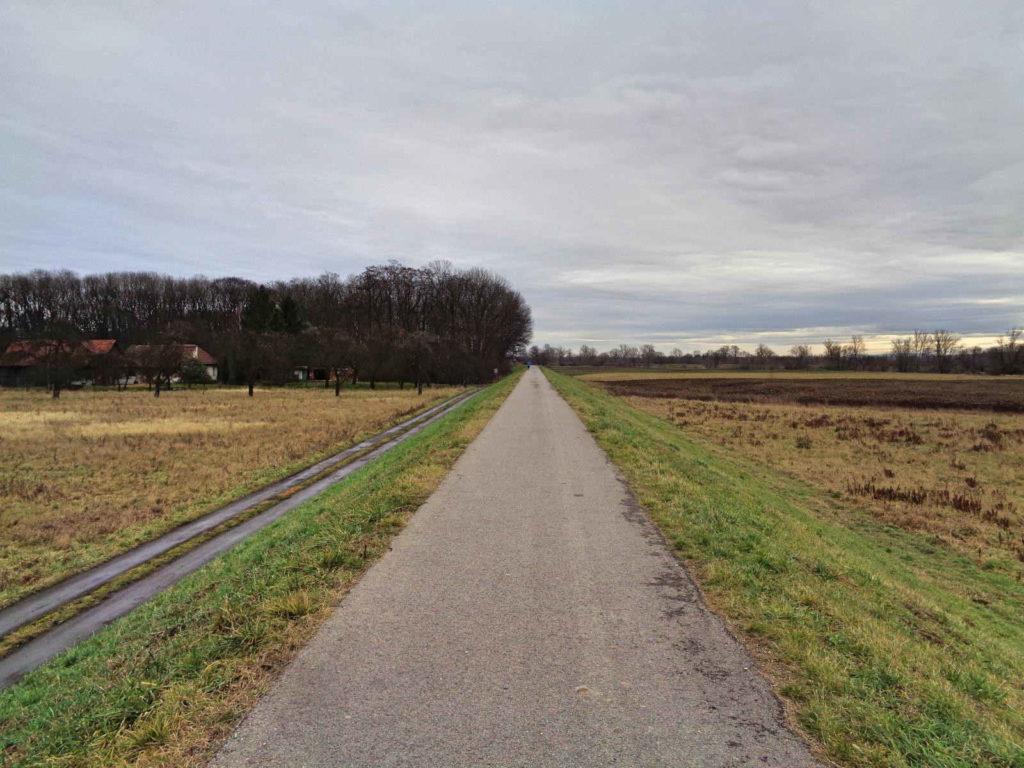 Kraków, ścieżki na wałach