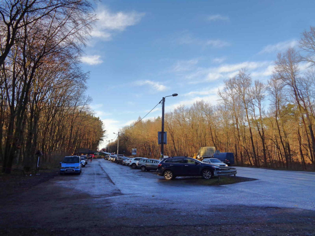Puszcza Niepołomicka, parking