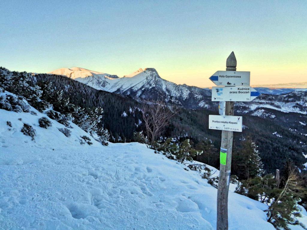 Przełęcz Między Kopami zimą