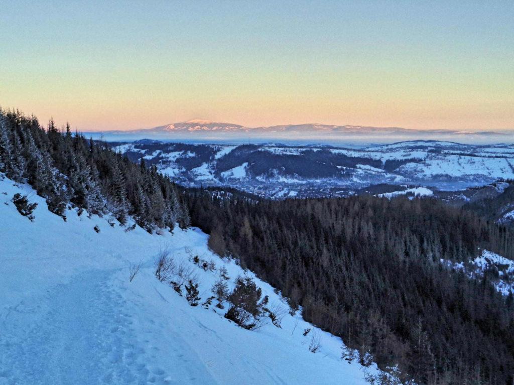 Szlak przez Boczań zimą