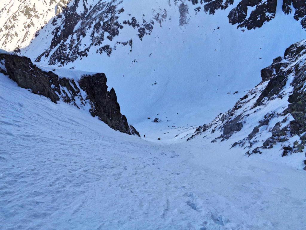 Kozia Przełęcz, zejście do Koziej Dolinki