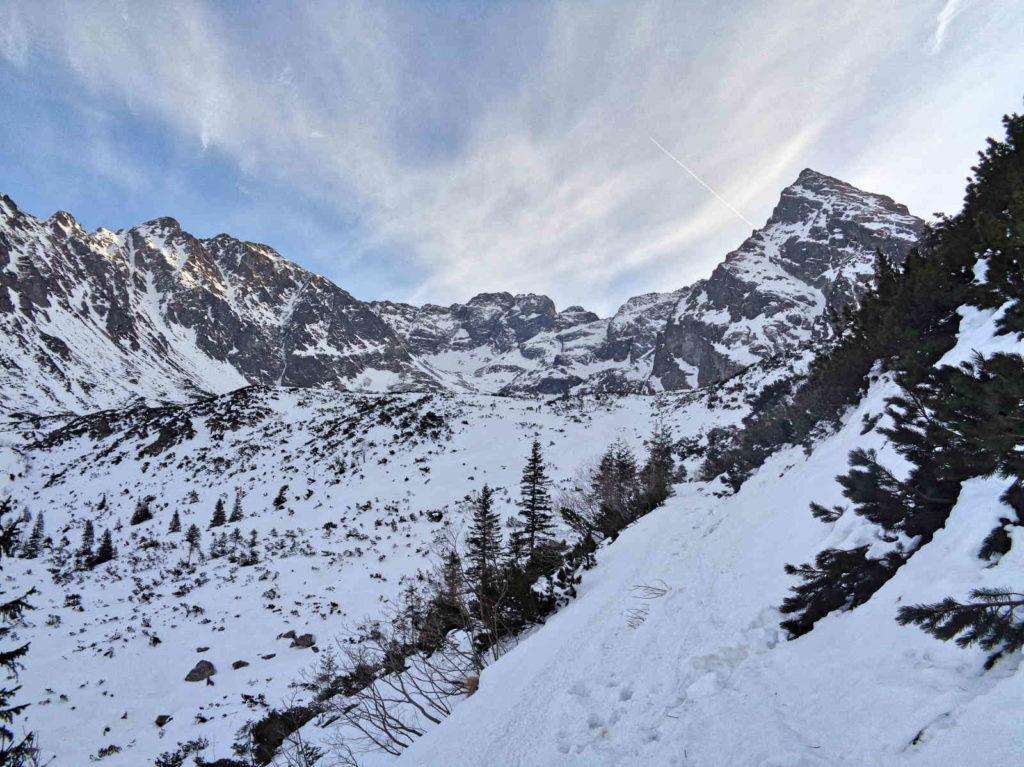 Szlak nad Czarny Staw Gąsienicowy w zimie