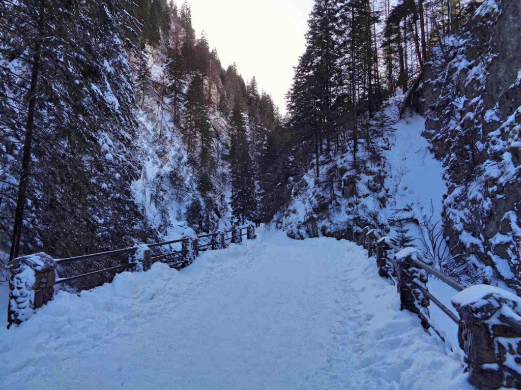 Dolina Kościeliska, przejście w zimie