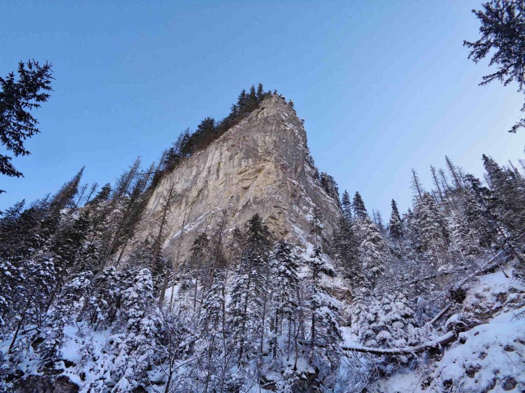 Dolina Kościeliska, skałki