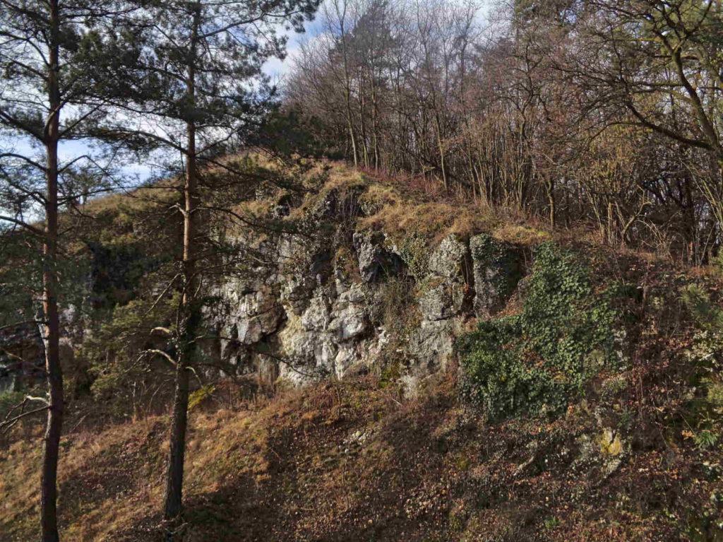 Rezerwat Kajasówka, skałki