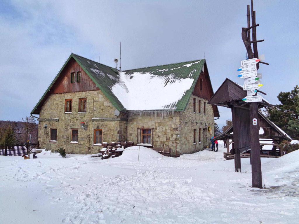 Klimczok, schronisko zimą