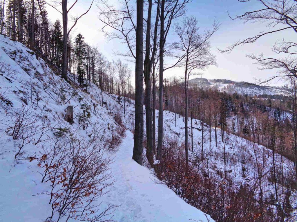 Skrzyczne zimą, trudności