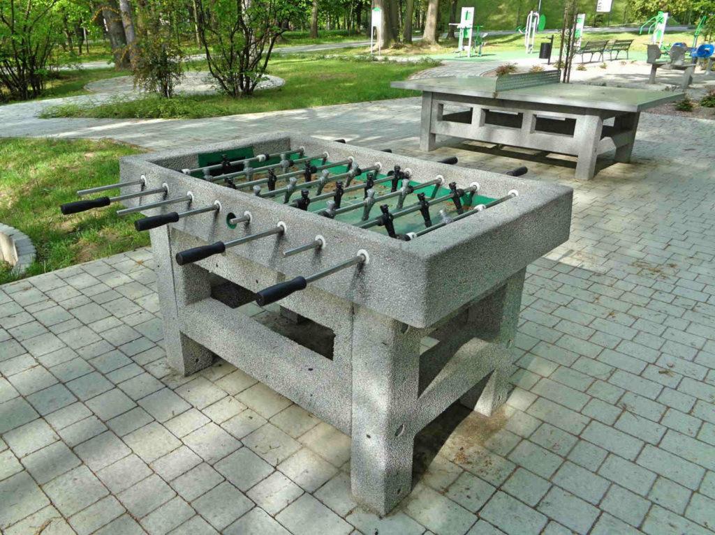 Park w Wadowicach, piłkarzyki