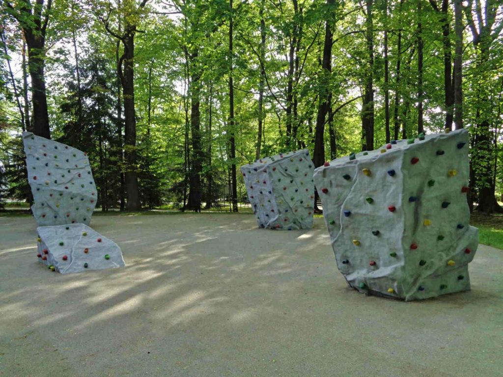 Wadowice, park, ścianki wspinaczkowe