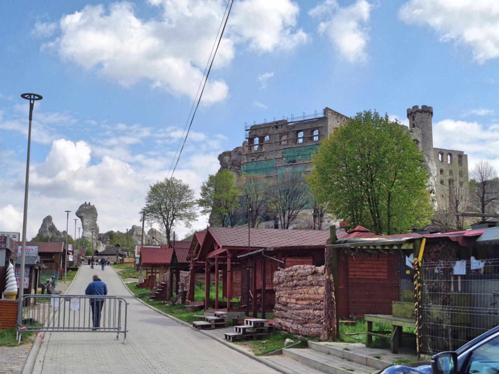 Zamek Ogrodzieniec, dojazd