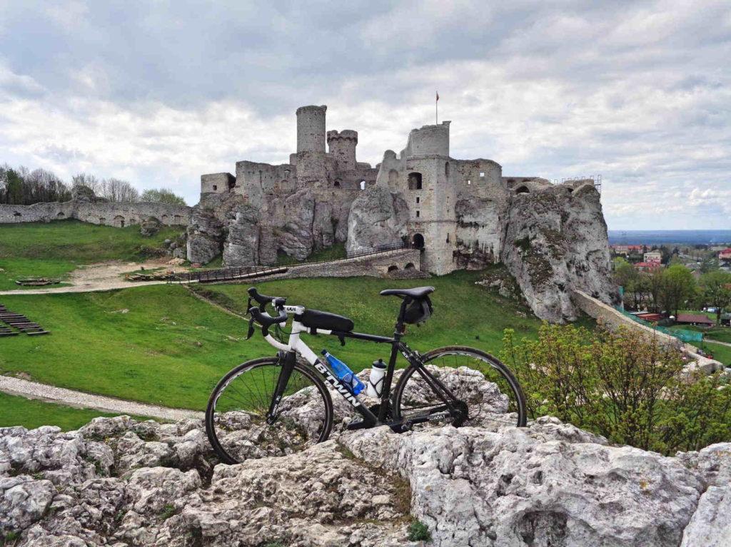 Zamek Ogrodzieniec, rower