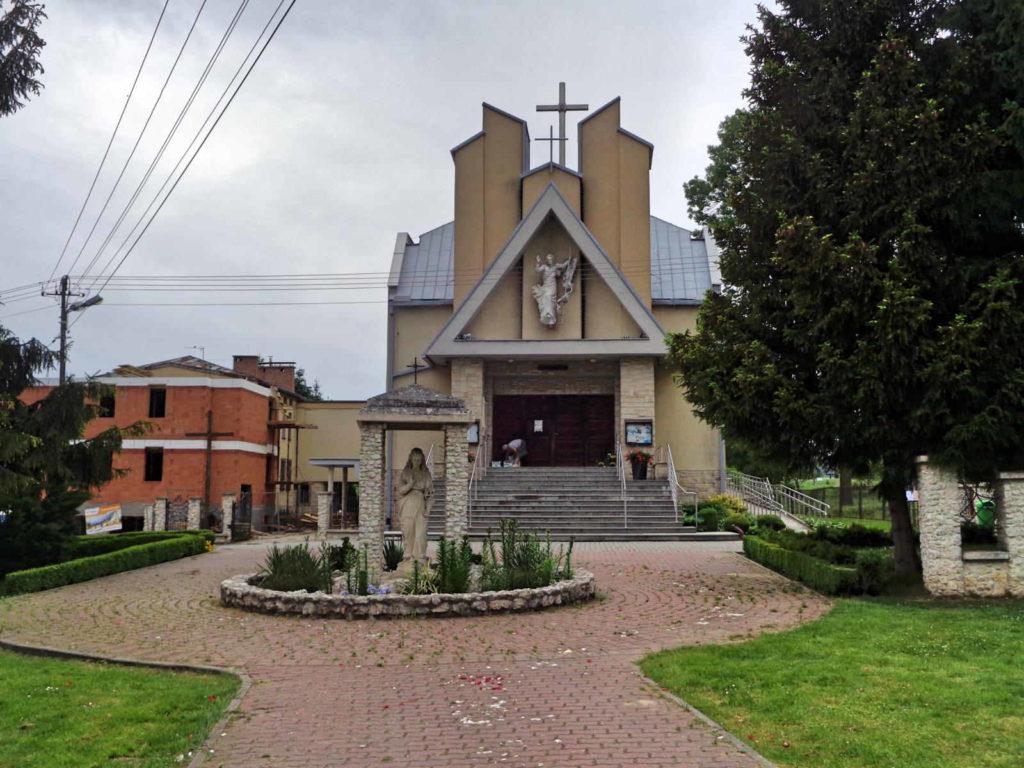 Bibice, kościół Matki Bożej Nieustającej Pomocy