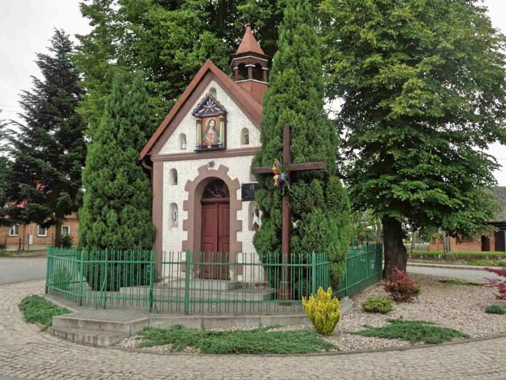 Jeziorzany, kapliczka