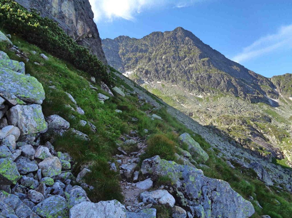 Mylna Przełęcz ścieżką od Karbu