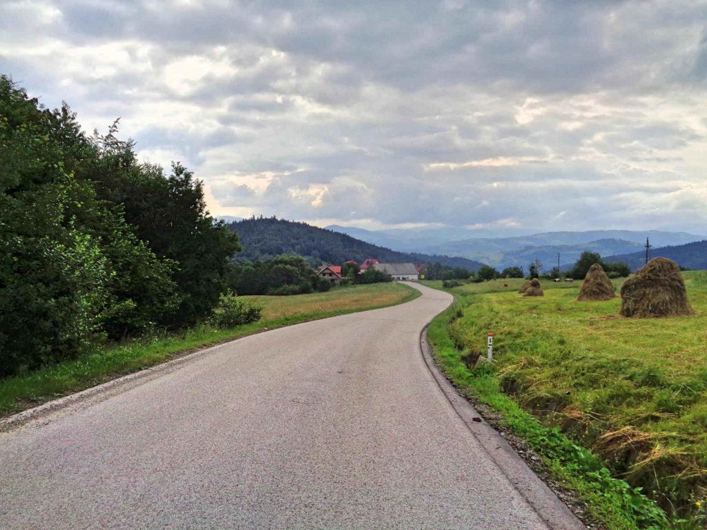 Przełęcz Glisne, zjazd do Mszany