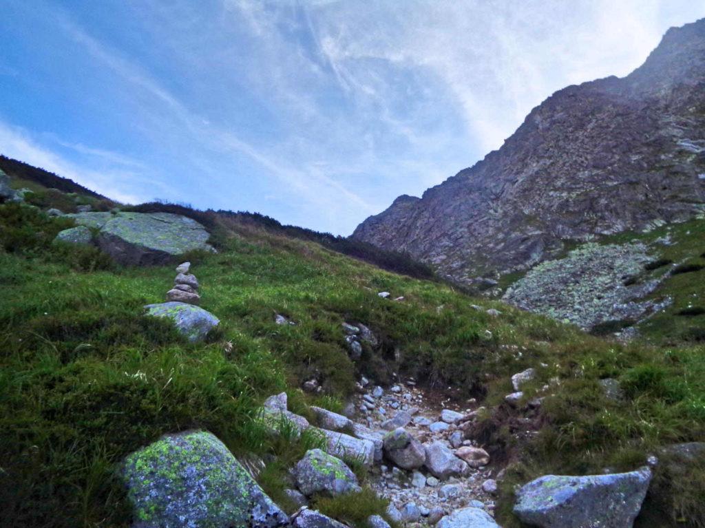 Dolina Złomisk, kopczyki