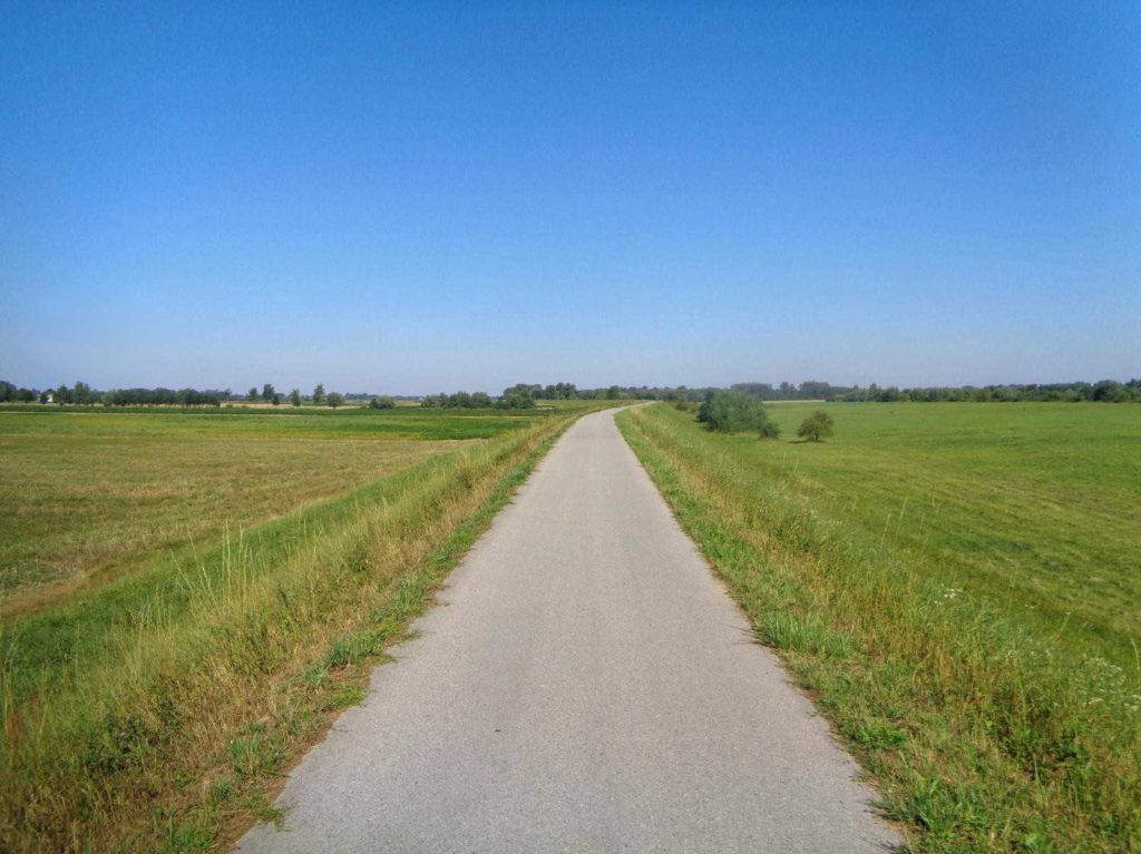 Wały Dunajca, ścieżka rowerowa