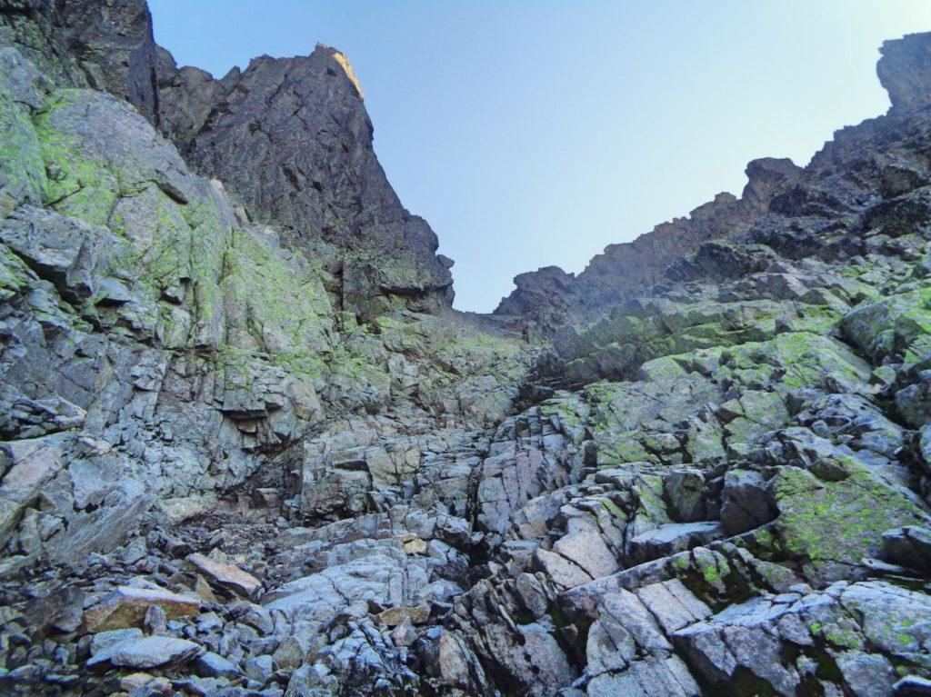 Mała Durna Przełęcz, wejście żlebem