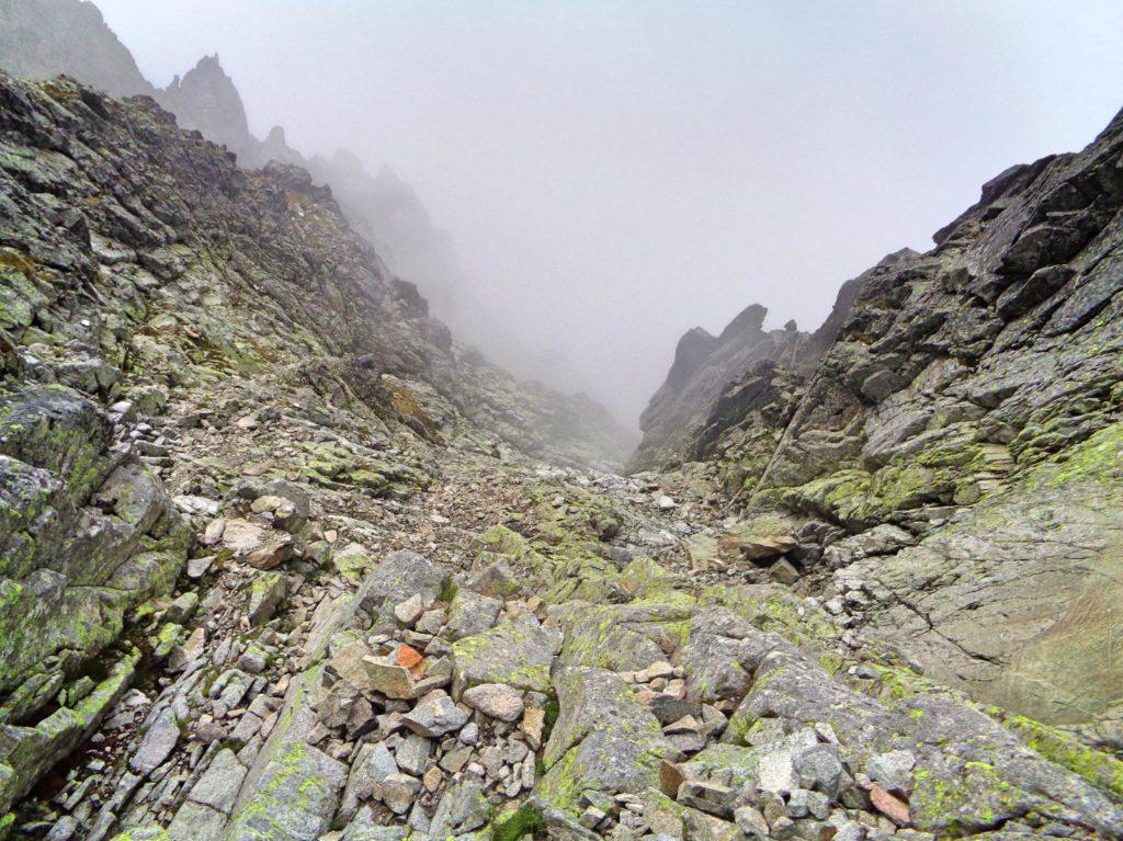 Mała Durna Przełęcz, zejście