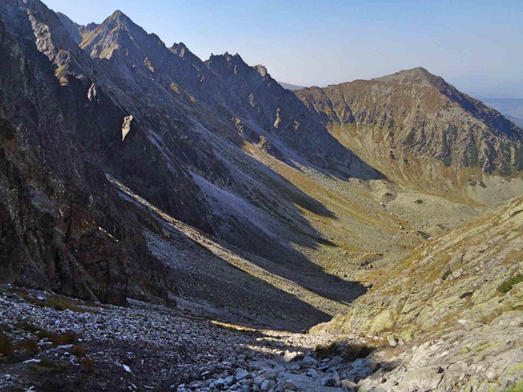 Krzyżne, zejście do Doliny Pańszczycy