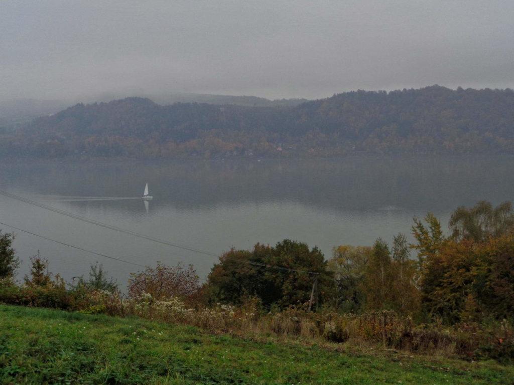 Łososina Dolna, Jezioro Rożnowskie