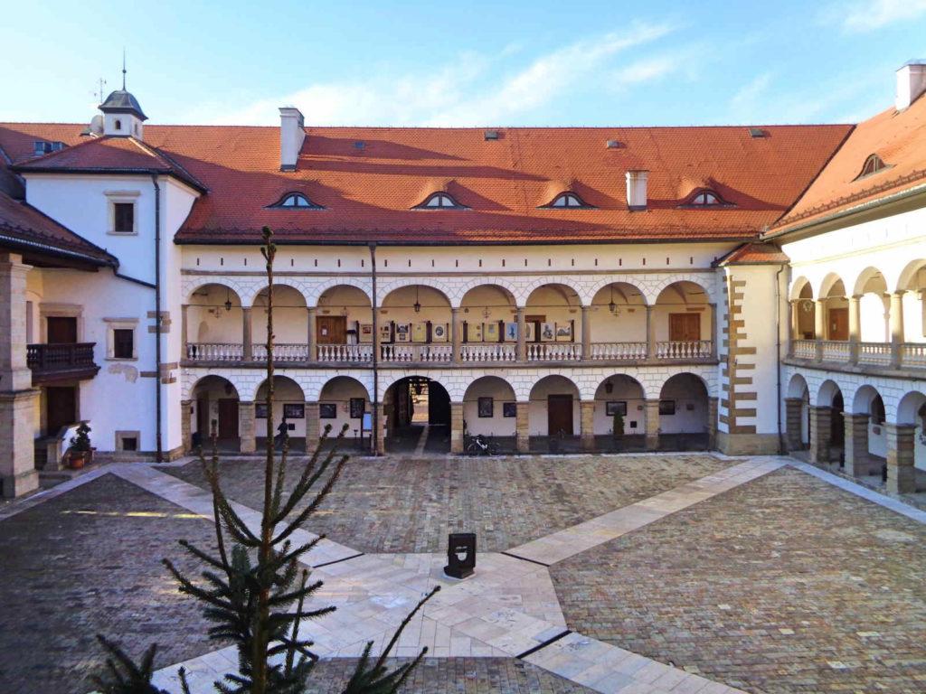 Niepołomice, Zamek Królewski
