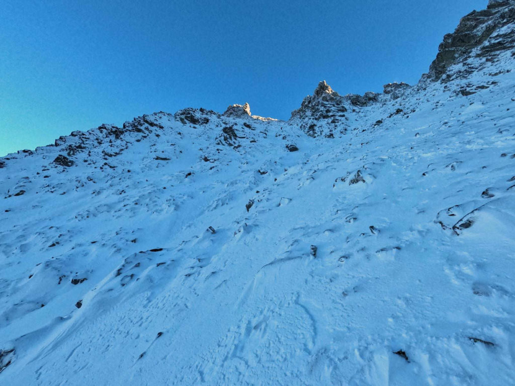 Wejście na Niżnie Rysy zimą