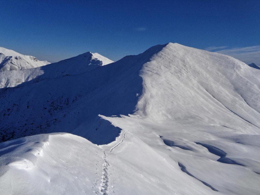 Pyszniańska Przełęcz, szlak w zimie