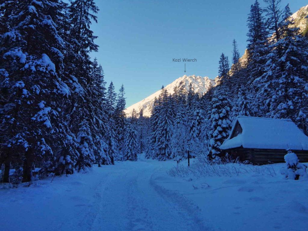 Szlak do Doliny Pięciu Stawów zimą