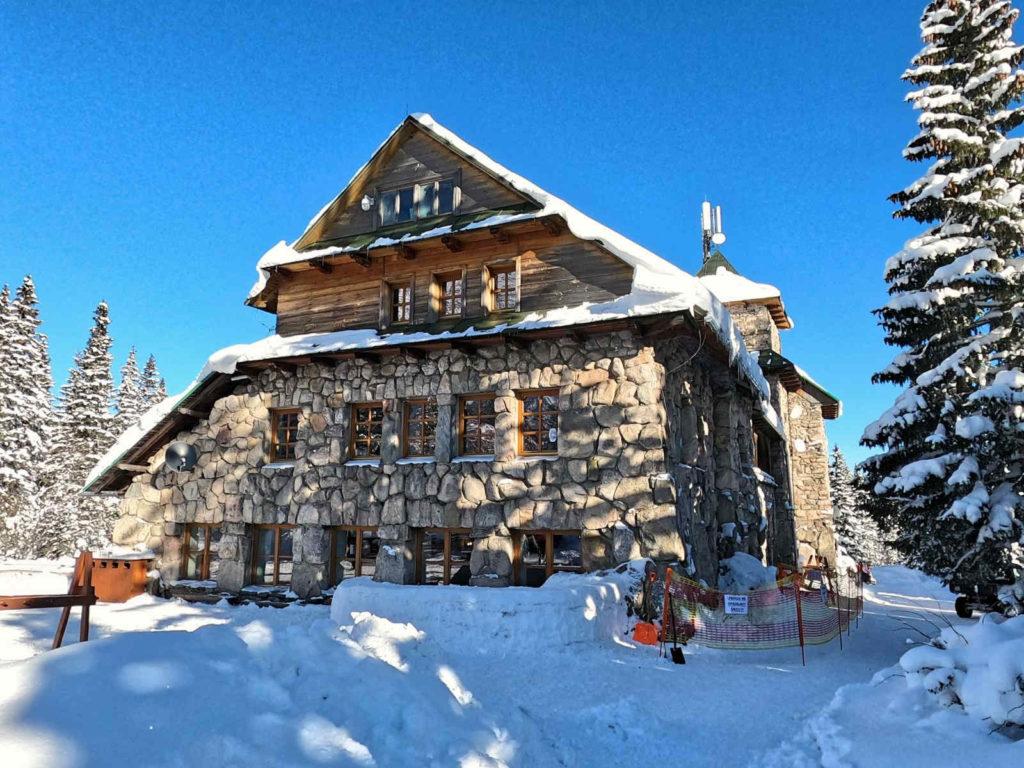Schronisko Murowaniec  zimą