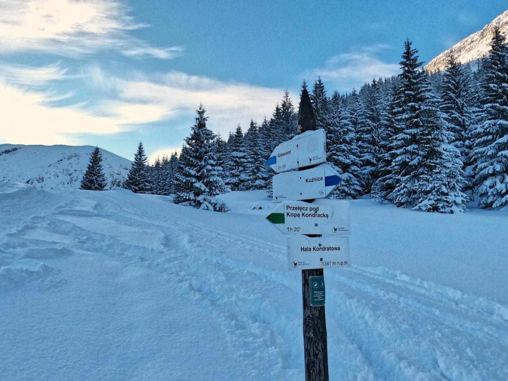Hala Kondratowa zimą