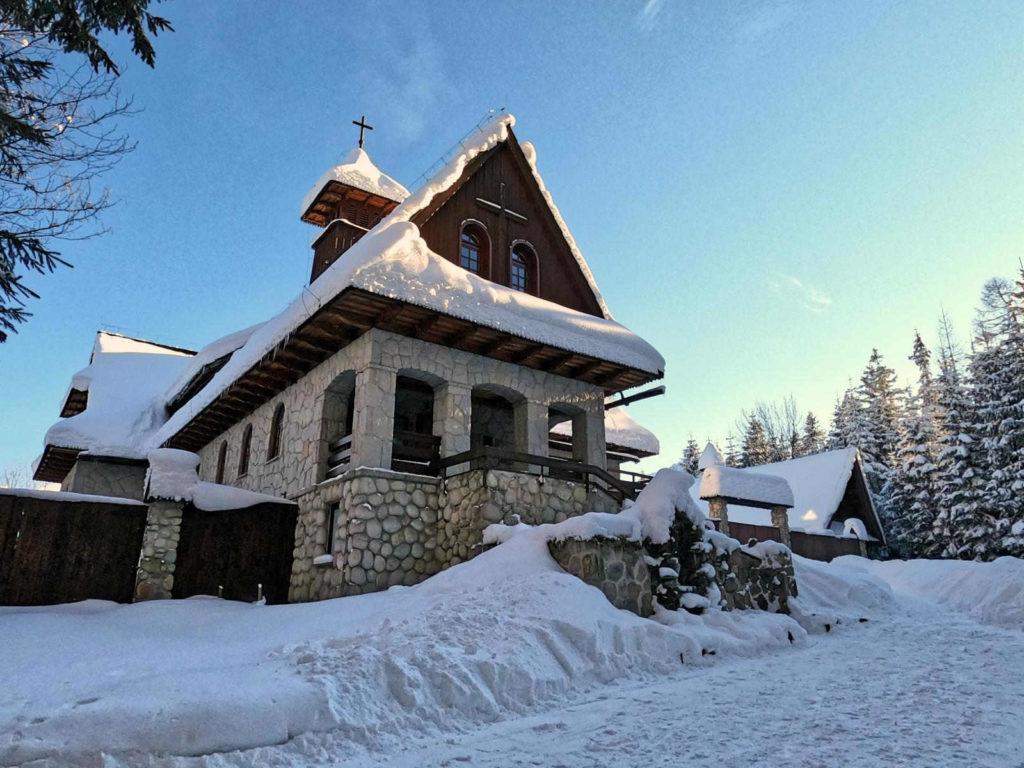 Klasztor Albertynów w zimie