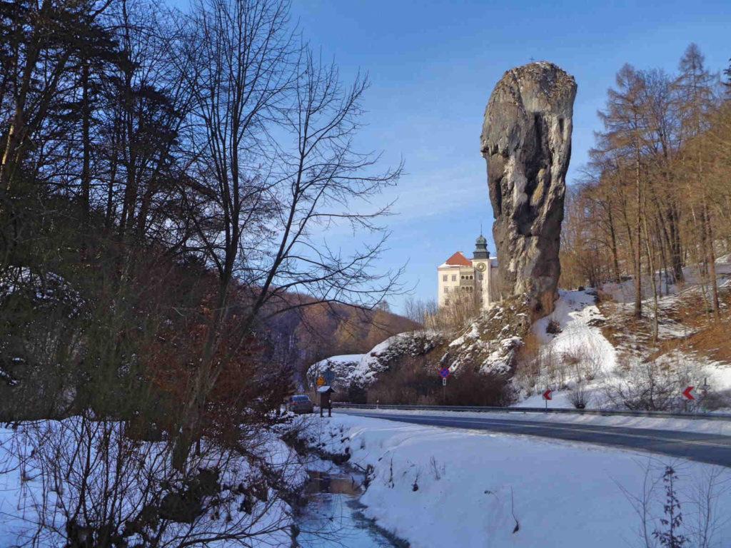 Pieskowa Skała zimą