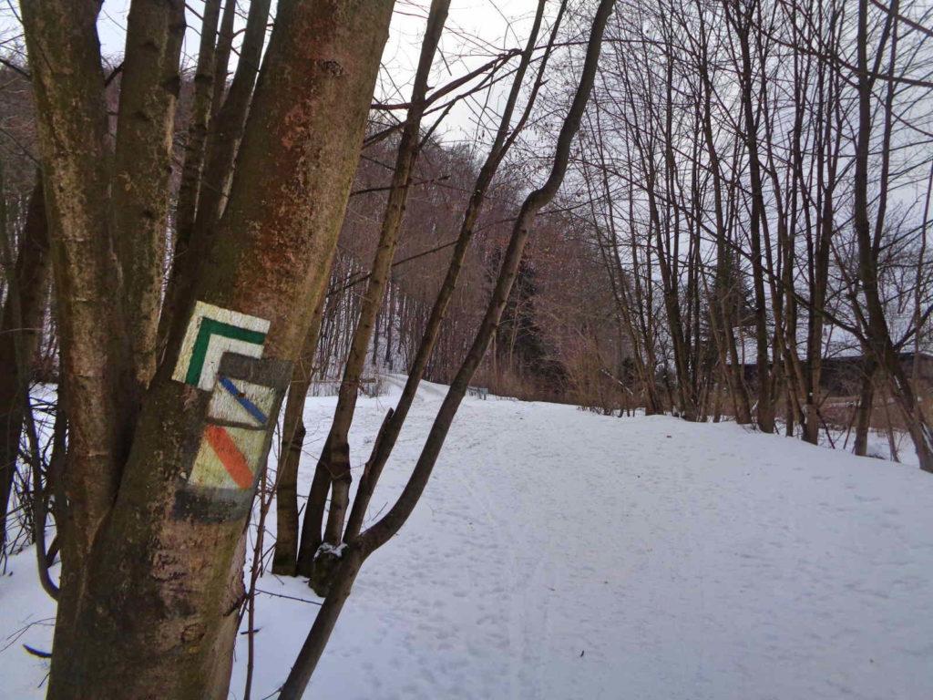 Dolina Racławki, szlaki turystyczne