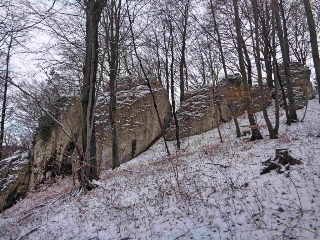 Dolina Szklarki, skałki