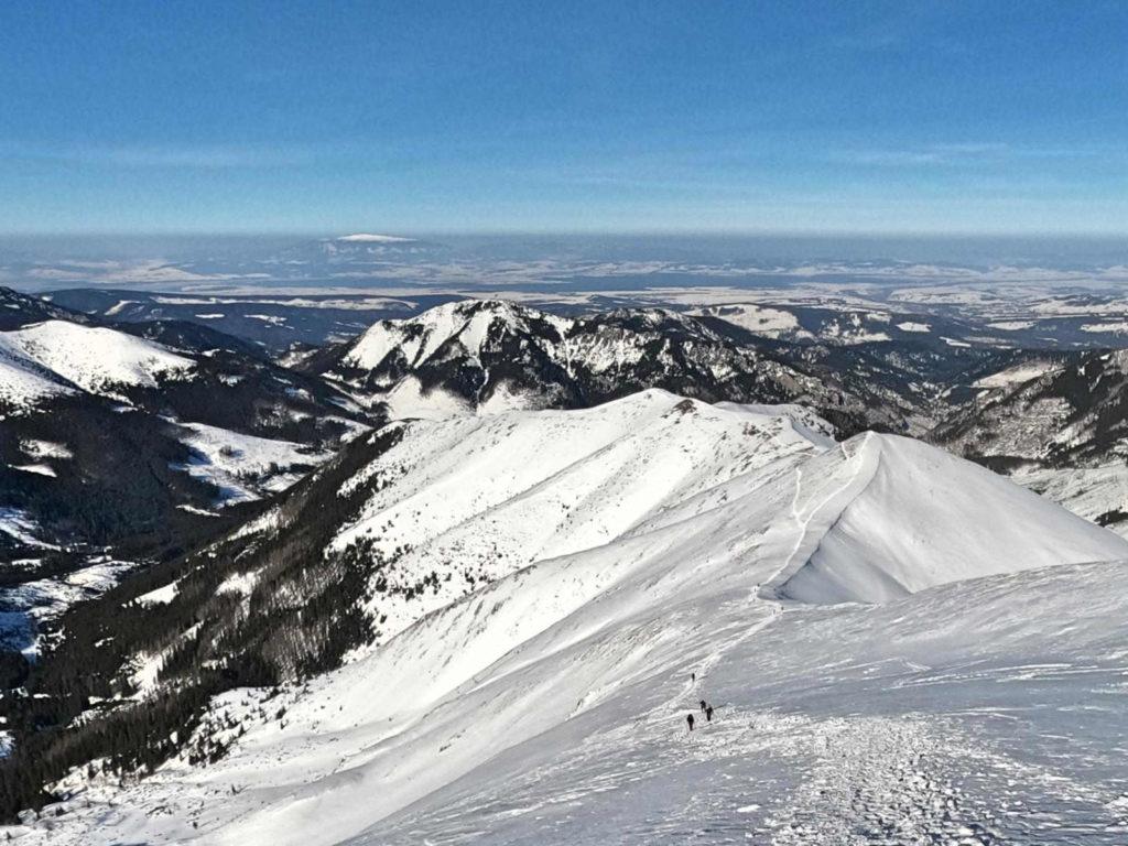 Kończysty Wierch zimą, zejście