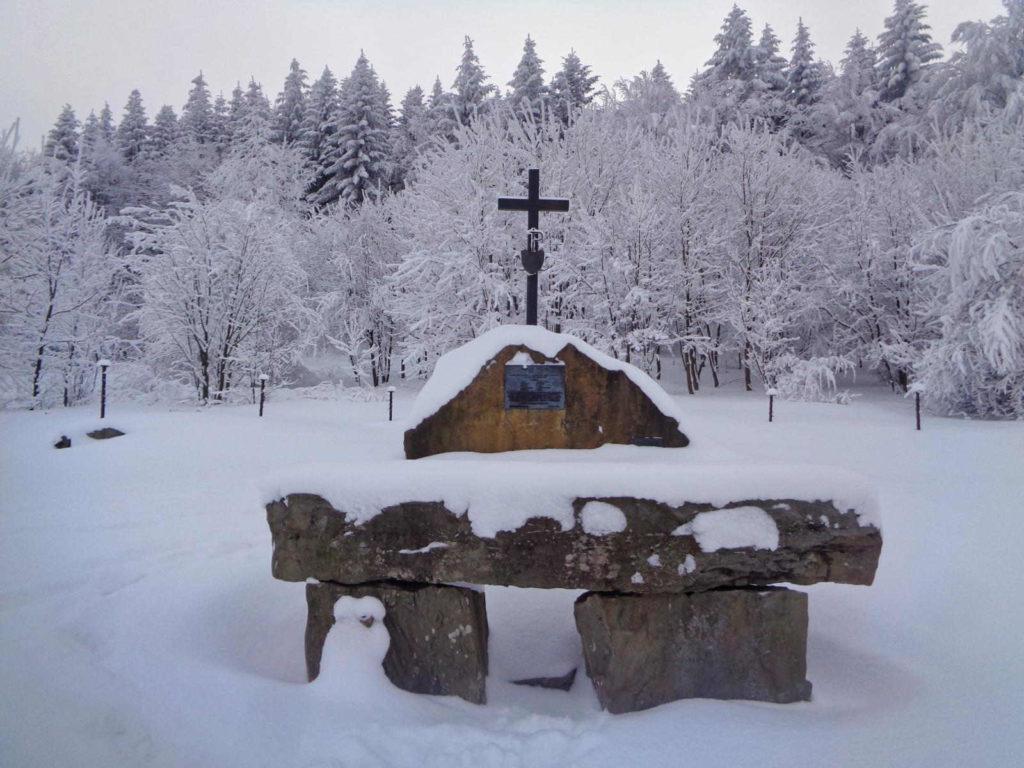 Polana Sucha, pomnik