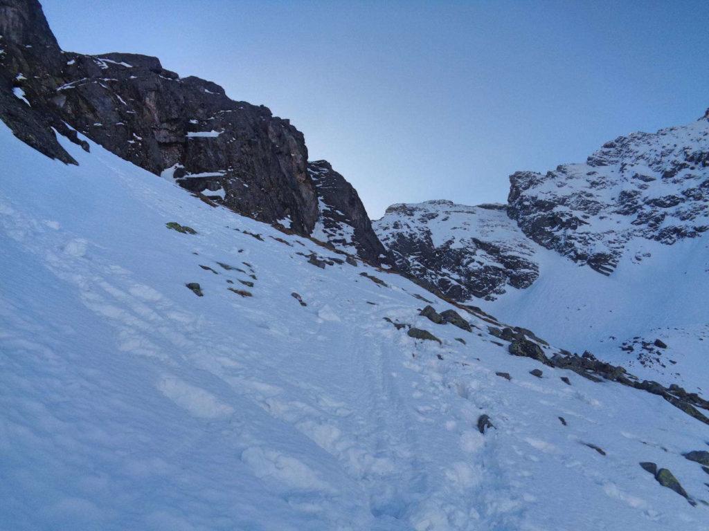 Droga na Mylną Przełęcz zimą