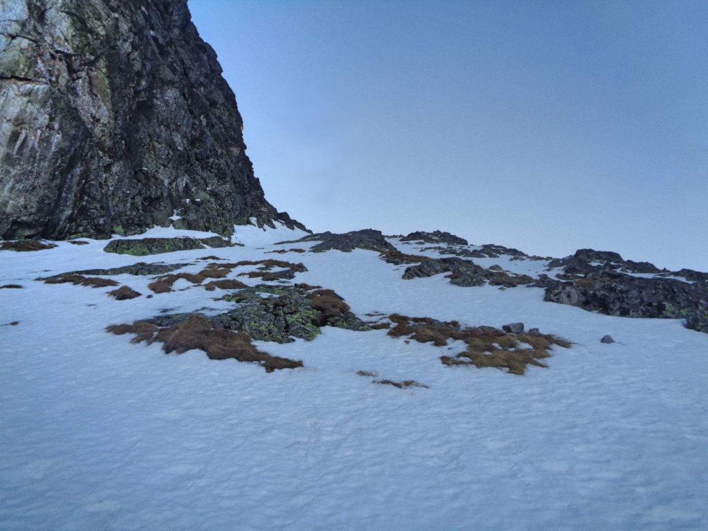 Podejście na Kościelcową Przełęcz w zimie