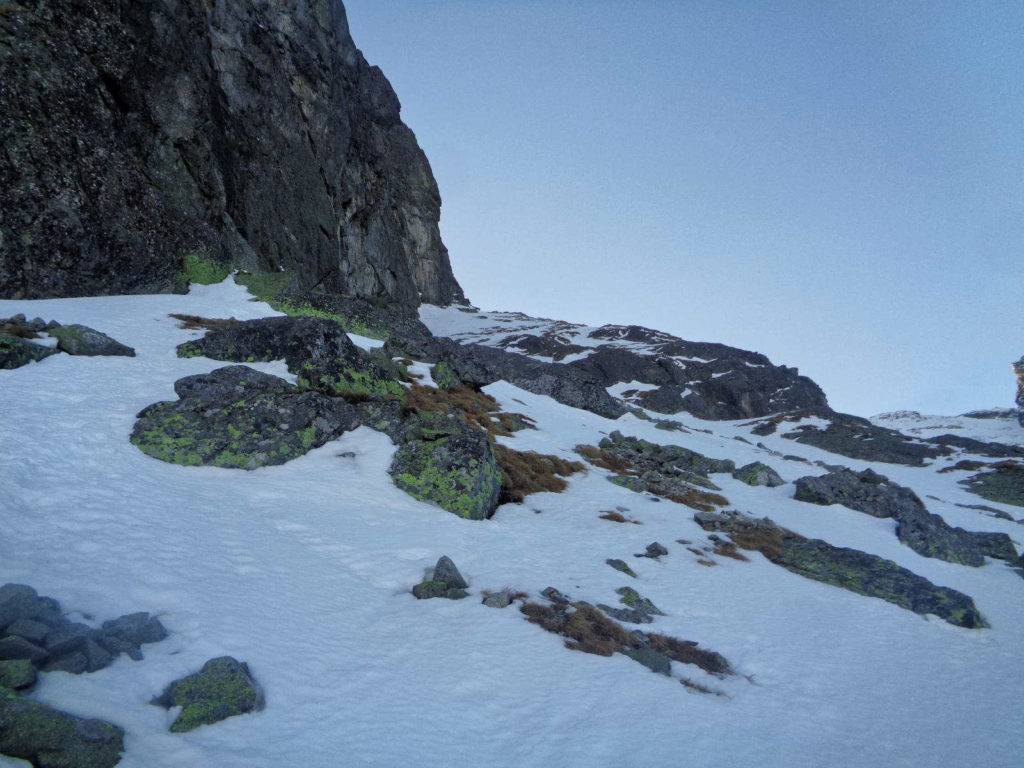 Podejście na Kościelcową Przełęcz zimą