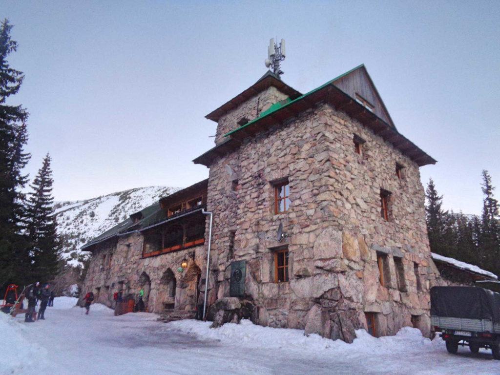 Schronisko Murowaniec w zimie