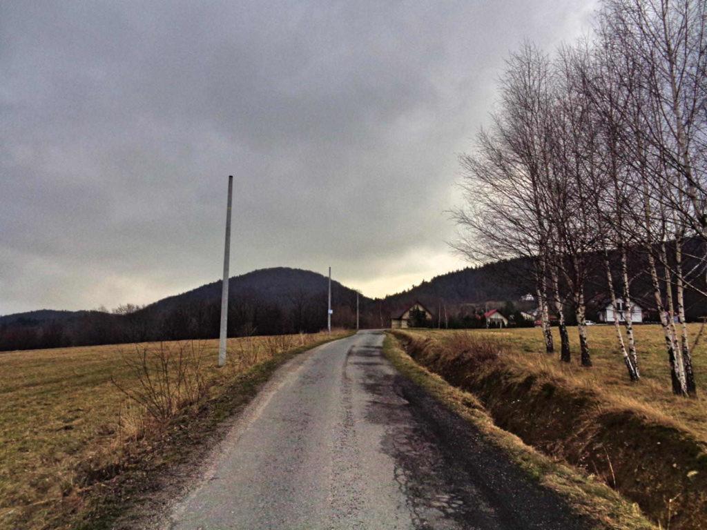 Wiśniowa, szlak na Ciecień