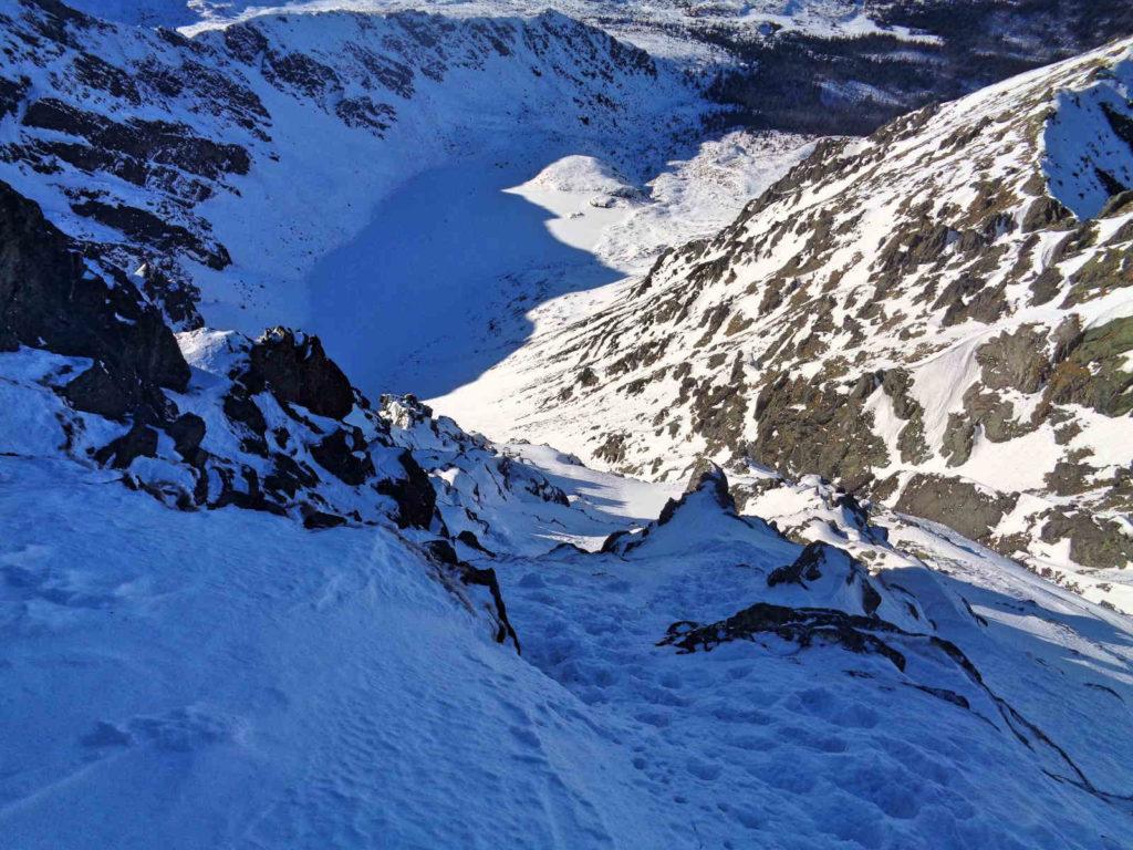 Skrajny Granat, zejście w zimie
