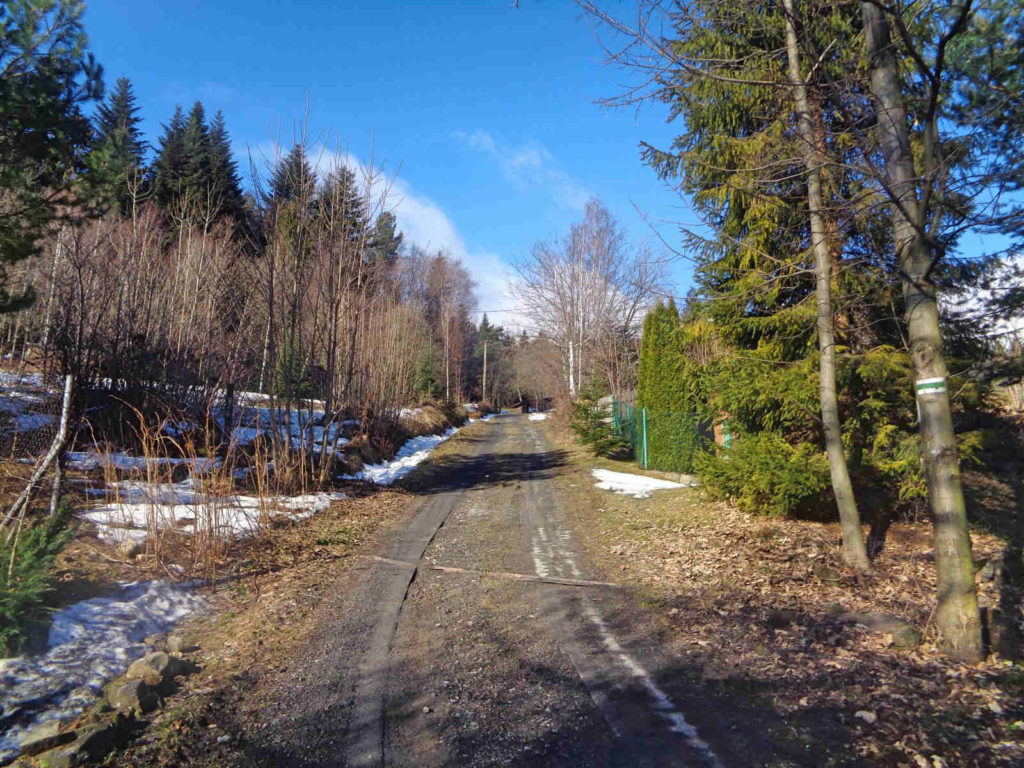 Lubomir, wejście od Wiśniowej