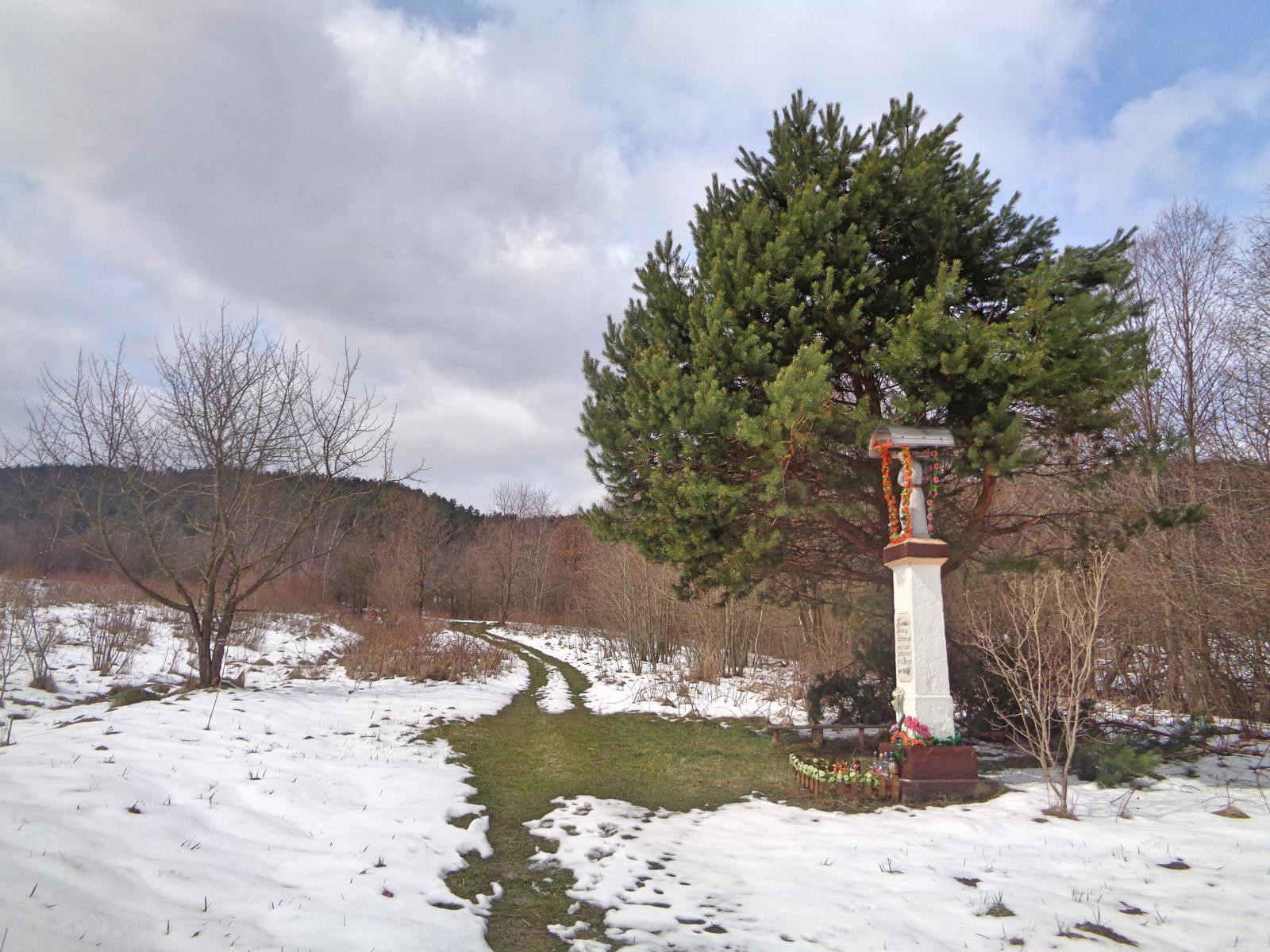 Krzeszów, szlak na Leskowiec