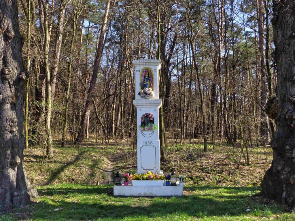 Dąbrowa, kapliczka