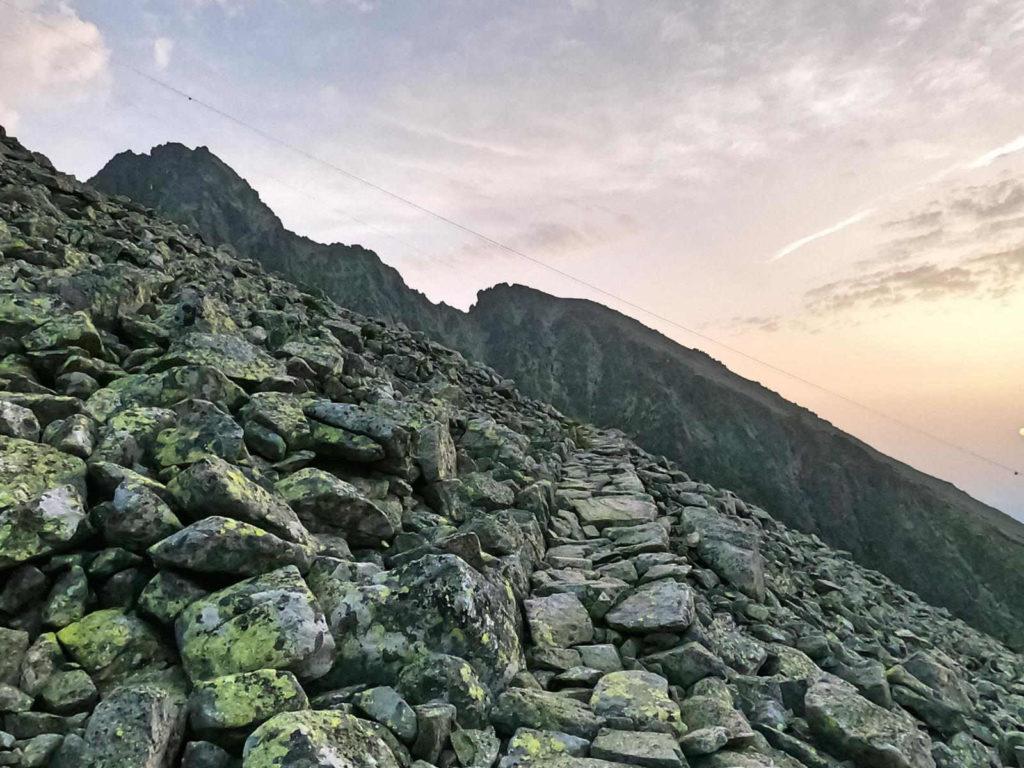 Szlak na Łomnicką Przełęcz