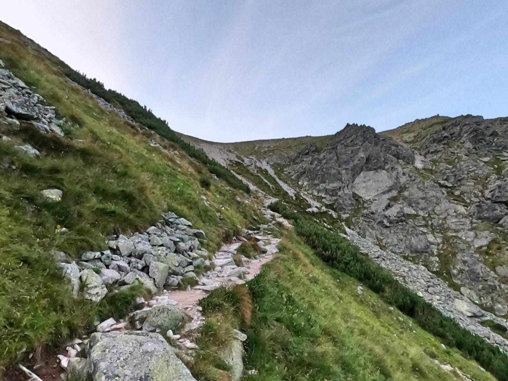 Przełęcz pod Osterwą, wejście