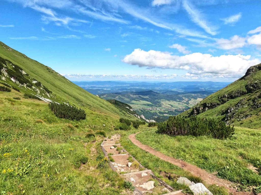 Zejście z Szerokiej Przełęczy